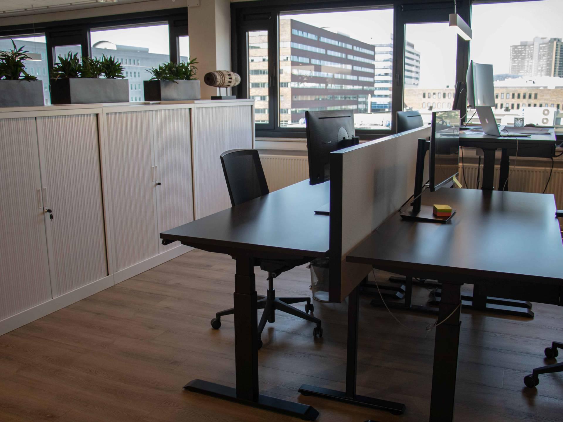 Flexibele en ergonomische werkplekken voor Boxx Sloterdijk